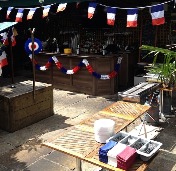 The_terrace_at_Chez_Max_Baggot_St_on_Bastille_Day