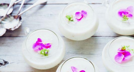 Chilled pear yogurt