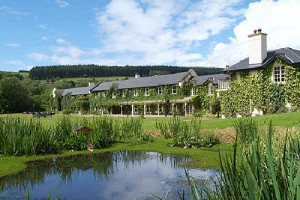 Brook-Lodge-Exterior-with-pond