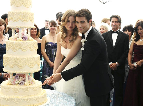 "REVENGE - ""Exodus"" - The wedding of the century has finally arrived and Emily's master plan is poised to go off without a hitch until enemies unite, bringing new complications and leading to dire consequences, on ""Revenge,"" SUNDAY, DECEMBER 15 (9:00-10:01 p.m., ET), on the ABC Television Network. (ABC/Richard Cartwright) EMILY VANCAMP, JOSH BOWMAN"