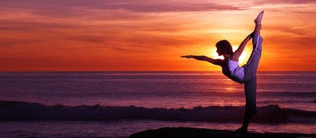 woman-exercising-on-beach