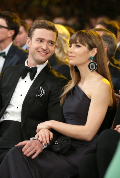 LOS ANGELES, CA - FEBRUARY 10: Singer Justin Timberlake (L) and actress Jessica Biel attend the 55th Annual GRAMMY Awards at STAPLES Center on February 10, 2013 in Los Angeles, California. (Photo by Christopher Polk/Getty Images for NARAS)