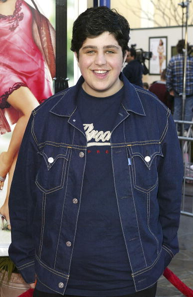 """LOS ANGELES - APRIL 14: Actor Josh Peck attends the premiere of the film """"13 Going on 30"""" at the Mann Village Theater on April 14, 2004 in Los Angeles, California. (Photo by Mark Mainz/Getty Images)"""