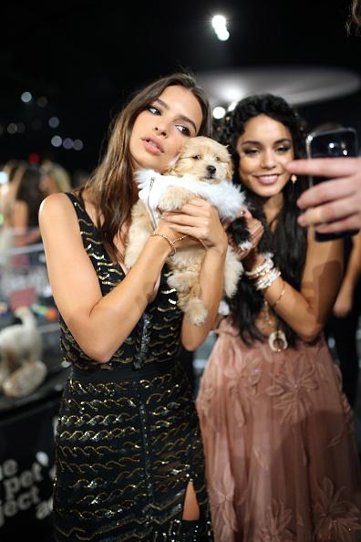 Emily Ratajkowski and Vanessa Hudgens VMAS