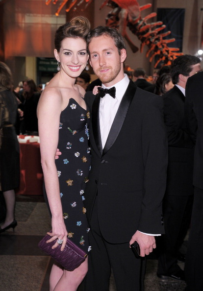 NEW YORK - NOVEMBER 18: Actress Anne Hathaway and Adam Shulman attend the American Museum of Natural History's 2010 Museum Gala at the American Museum of Natural History on November 18, 2010 in New York City. (Photo by Michael Loccisano/Getty Images)