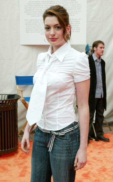 WESTWOOD, CA - APRIL 3: Actress Anne Hathaway attends Nickelodeon's 17th Annual Kids' Choice Awards at Pauley Pavilion on the campus of UCLA, April 3, 2004 in Westwood, California. (Photo by Frank Micelotta/Getty Images)