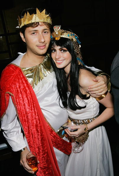 NEW YORK - OCTOBER 31: Actress Anne Hathaway and boyfriend Raffaello Follieri attend Heidi Klum's 5th Annual Halloween party at Marquee on October 31, 2004 in New York City. (Photo by Evan Agostini/Getty Images)