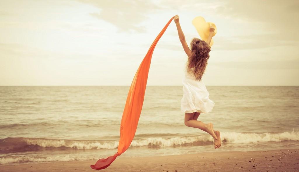 happiness_beach_girl_2