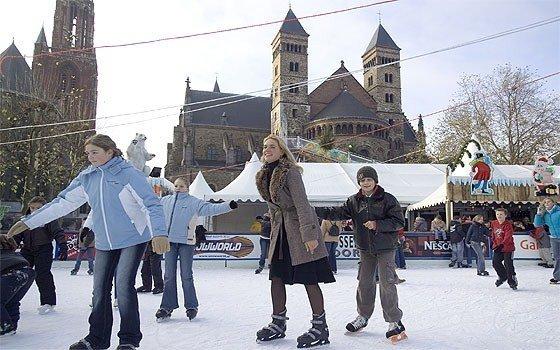 3738_fullimage_maastricht winterland ijsbaan_560x350