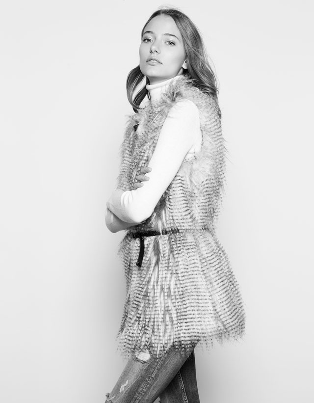 Ostrich style fur vest Bershka 39.99