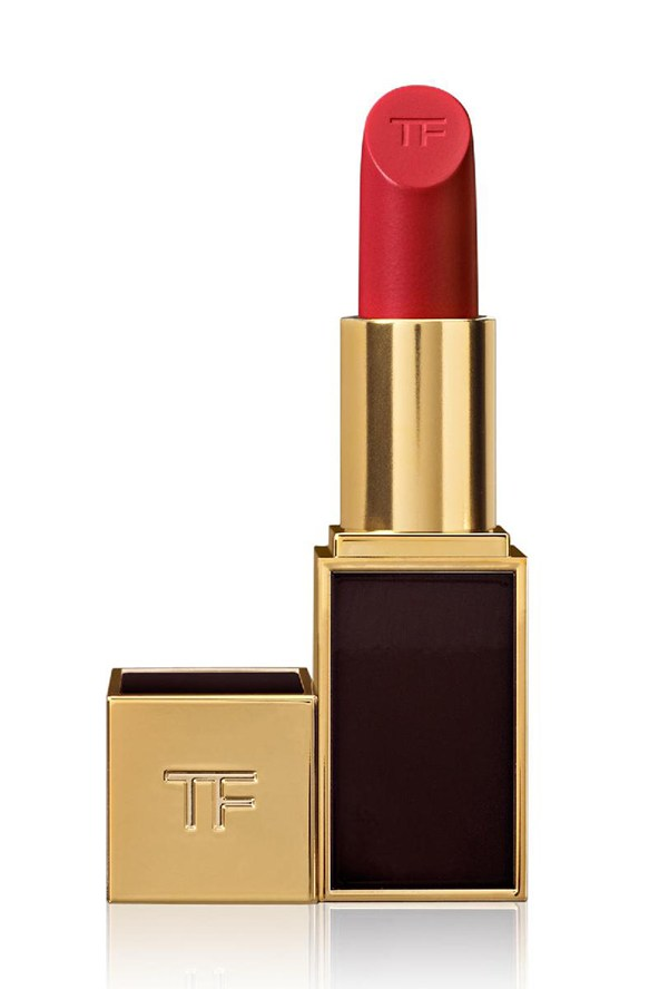 red-lipstick-TOM-FORD-LIP-COLOR-CHERRY-LUSH-vogue-28nov13-pr_592x888