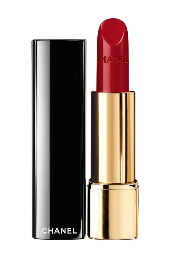 red-lipstick-chanel-Rouge-Allure-in-Pirate-vogue-28nov13-pr_592x888