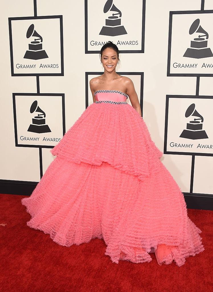 Rihanna in Giambattista Valli - 2015 Grammys