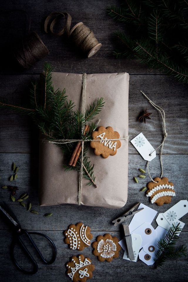 Interiors Pinspiration: Festive Wrapping with Foliage