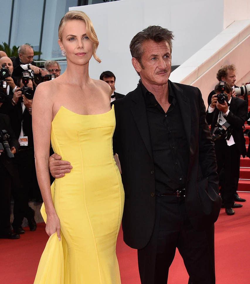 charlize-sean-cannes-14may15-01