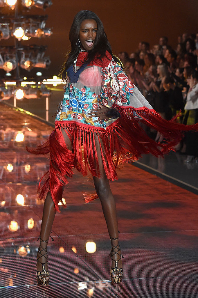NEW YORK, NY - NOVEMBER 10: Model Leomie Anderson from The United Kingdom walks the runway during the 2015 Victoria's Secret Fashion Show at Lexington Avenue Armory on November 10, 2015 in New York City. (Photo by Jamie McCarthy/Getty Images)