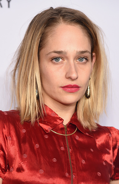NEW YORK, NY - FEBRUARY 10: Actress Jemima Kirke attends the 2016 amfAR New York Gala at Cipriani Wall Street on February 10, 2016 in New York City. (Photo by Michael Loccisano/Getty Images)