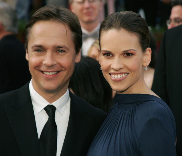 HOLLYWOOD, CA - FEBRUARY 27: Actress Hilary Swank and husband Chad Lowe arrive at the 77th Annual Academy Awards at the Kodak Theater on February 27, 2005 in Hollywood, California. (Photo by Frank Micelotta/Getty Images)