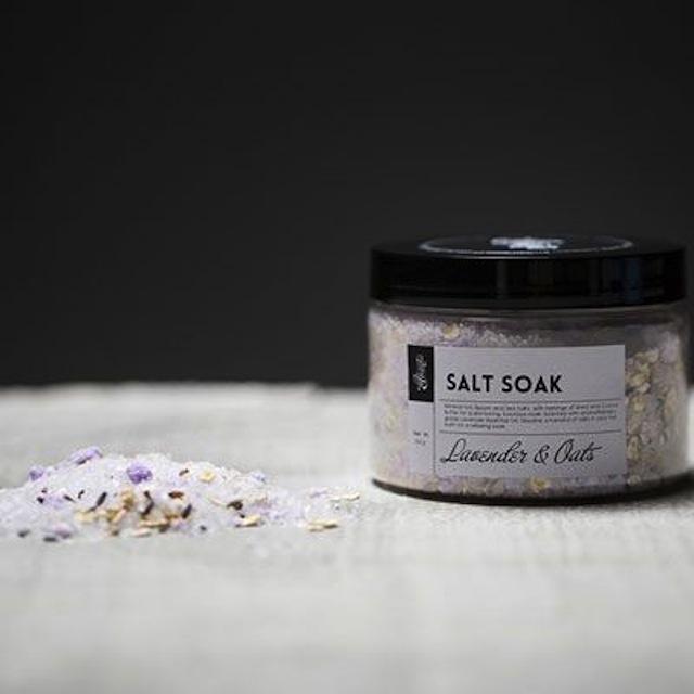 Mianra Lavender and Oats Salt Soak