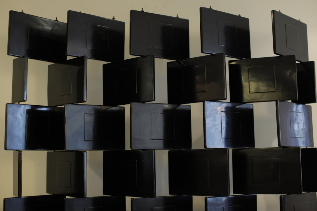 Black Block Badovci Screen Eileen Gray
