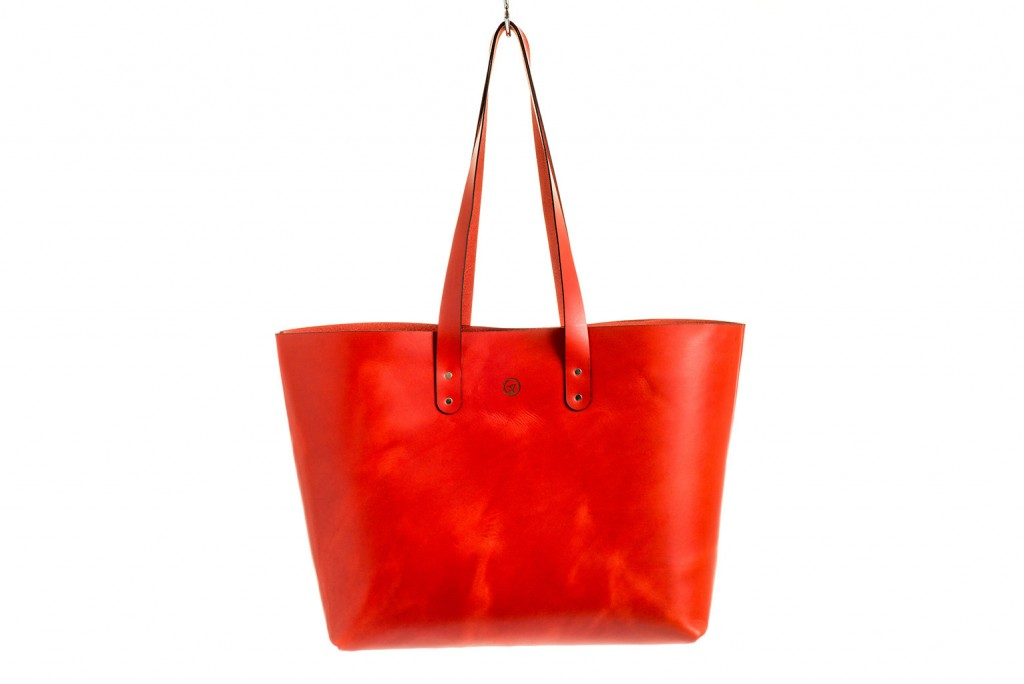 CarveOn leather tote bag red