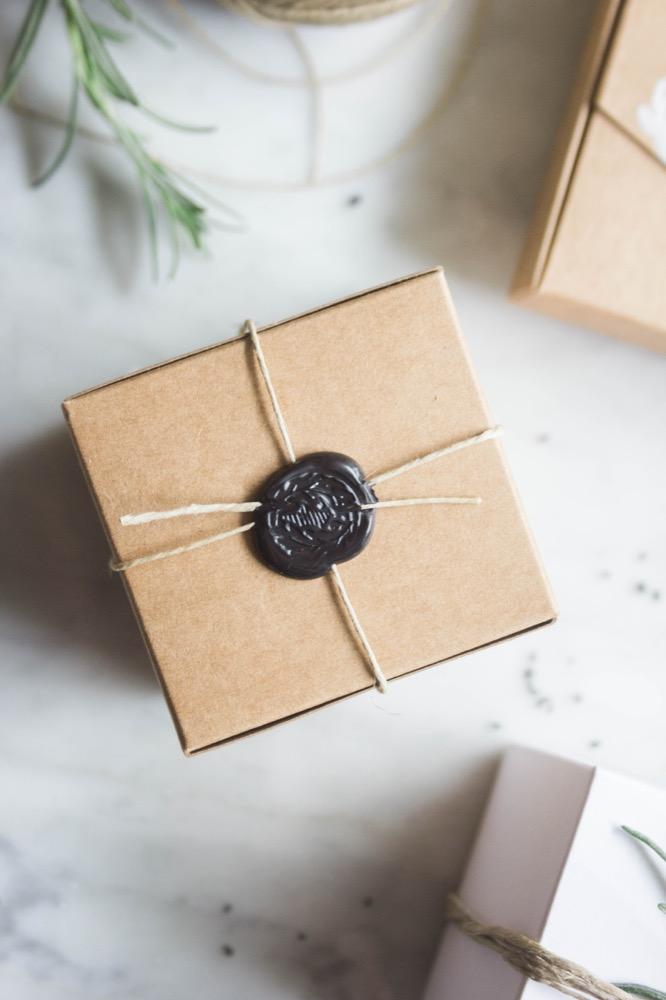 La-mariee-aux-pieds-nus-personnaliser-ses-cadeaux-d-invites-9