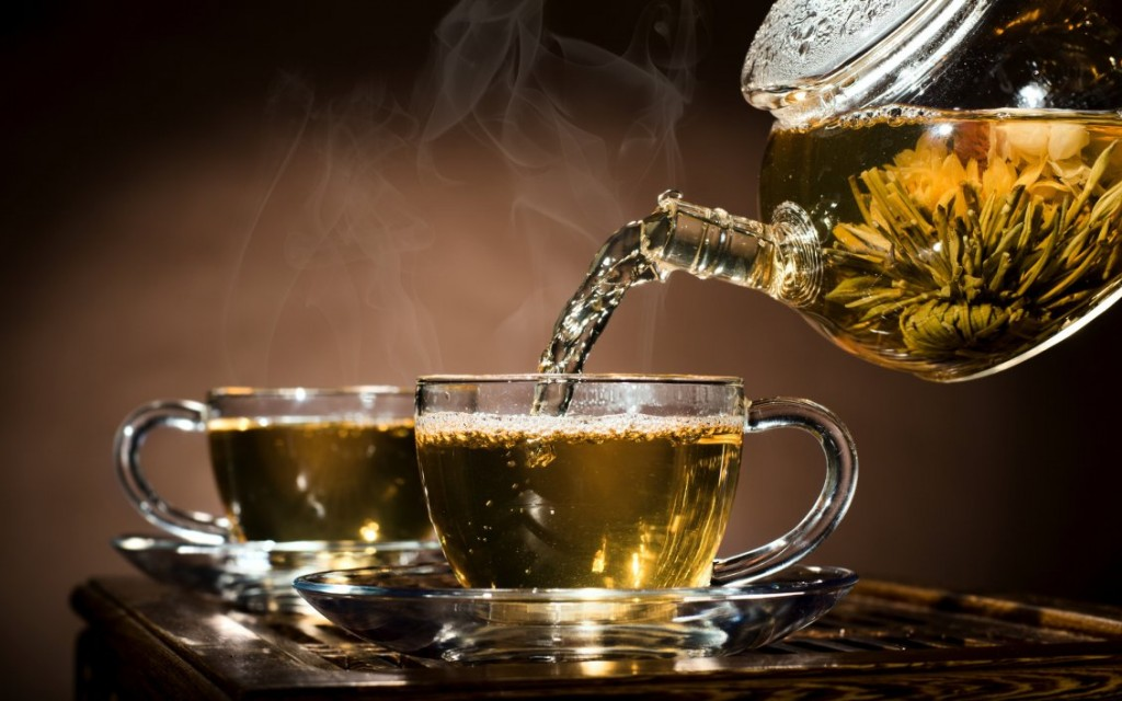 8489_A-cup-of-hot-tea-with-your-partner-in-a-cold-day