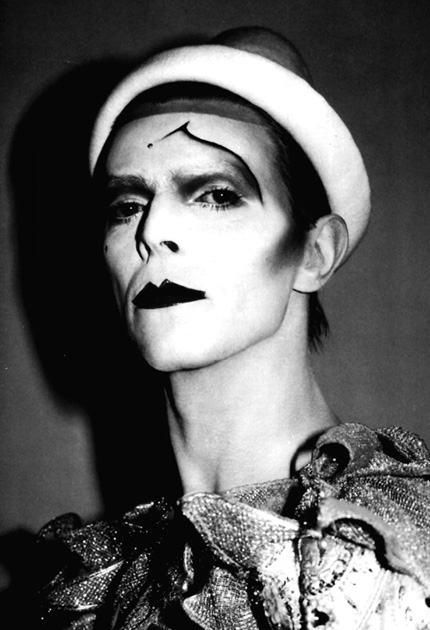 ashes-to-ashes-pierrot