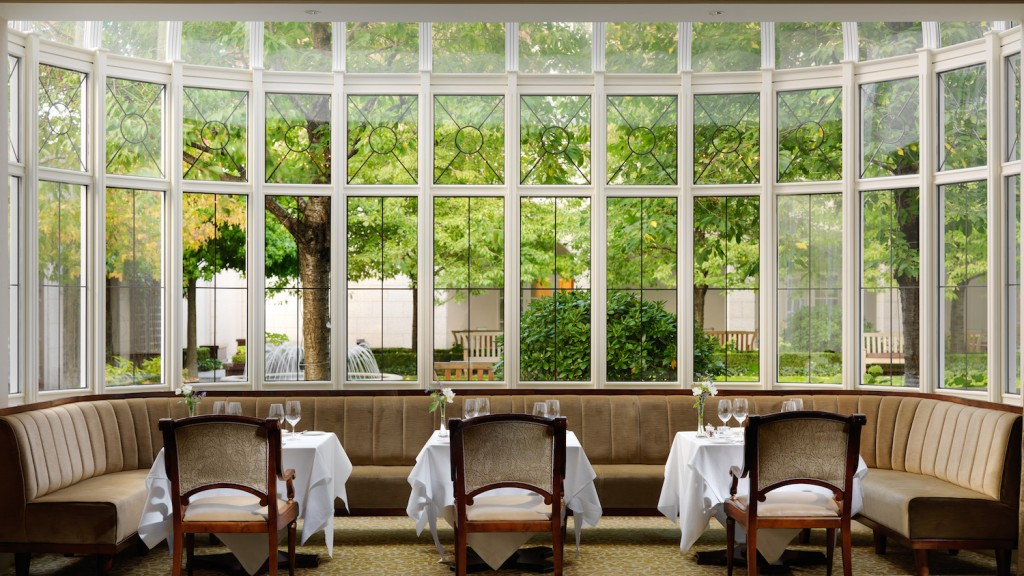 seasons-restaurant-3-4000px-web-1