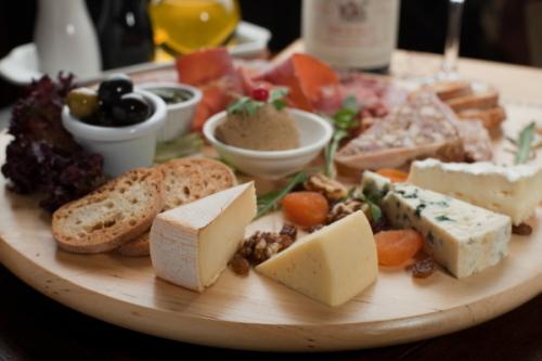 Piglet cheese platter