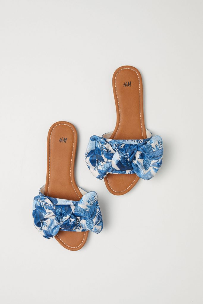 Slides with a bow, €19.99 at hm.com