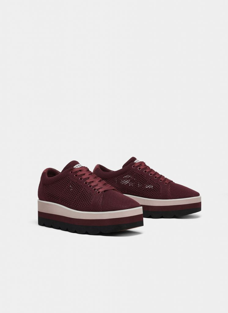 Burgundy derby trainers, €115 at uterque.com