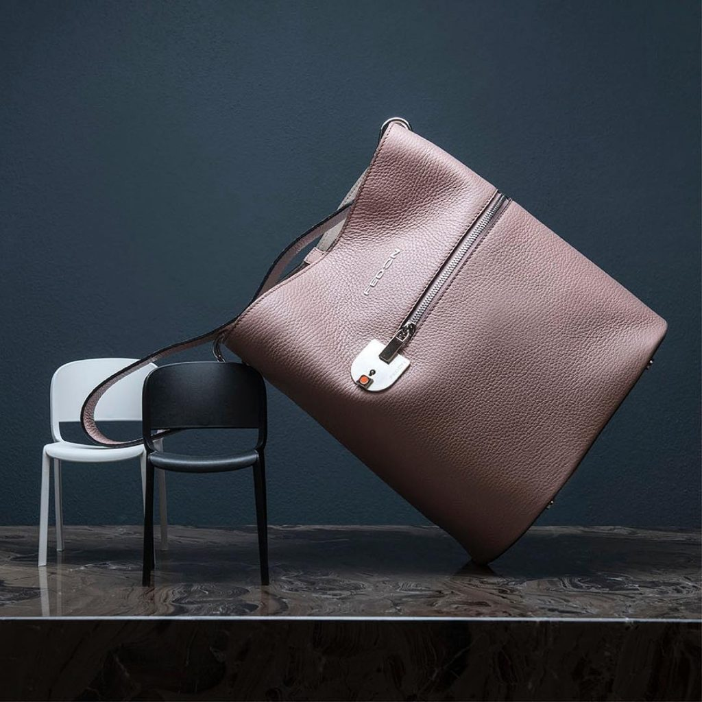 Amelia bucket bag in dusty pink, €199 at fedon.com