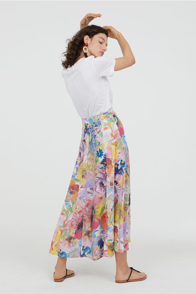 Bell-shaped skirt, €39.99 at hm.com