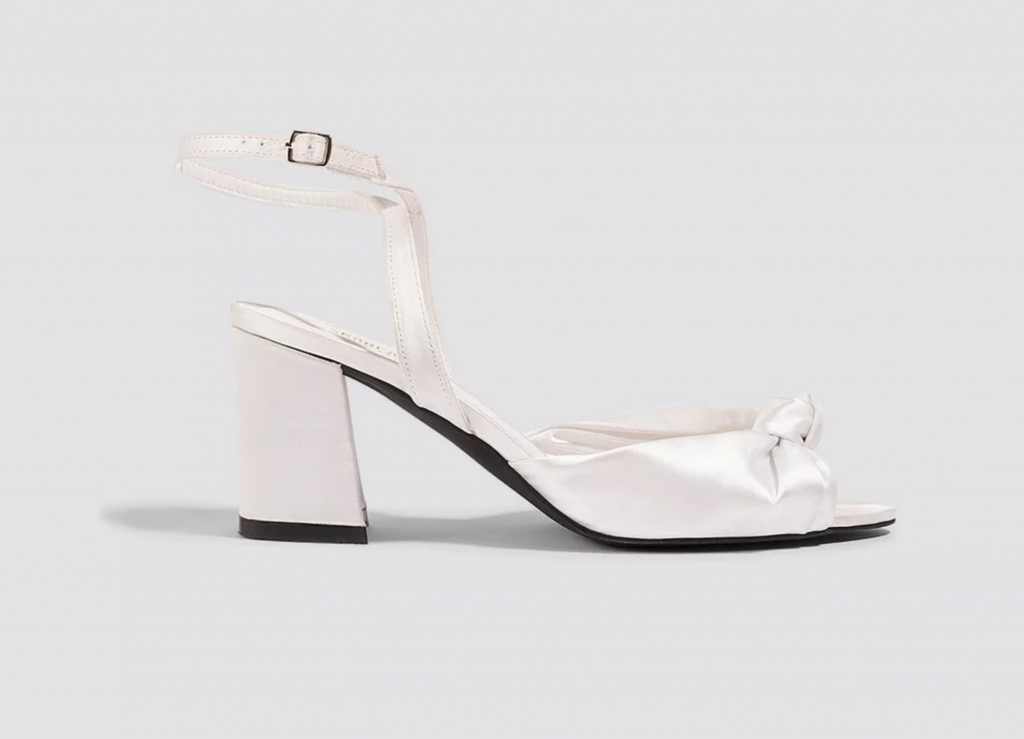 Knot heels by Andrea Hedenstedt, €33.47 at na-kdfashion.com