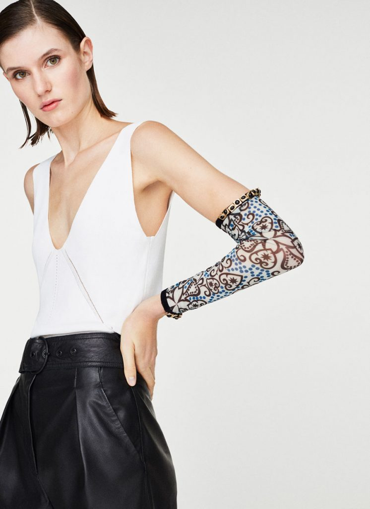 Bejewelled arm warmers, €59 at uterque.com