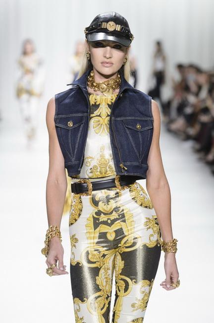 Versace SS18 catwalk. Source: Jason Llyod Evans