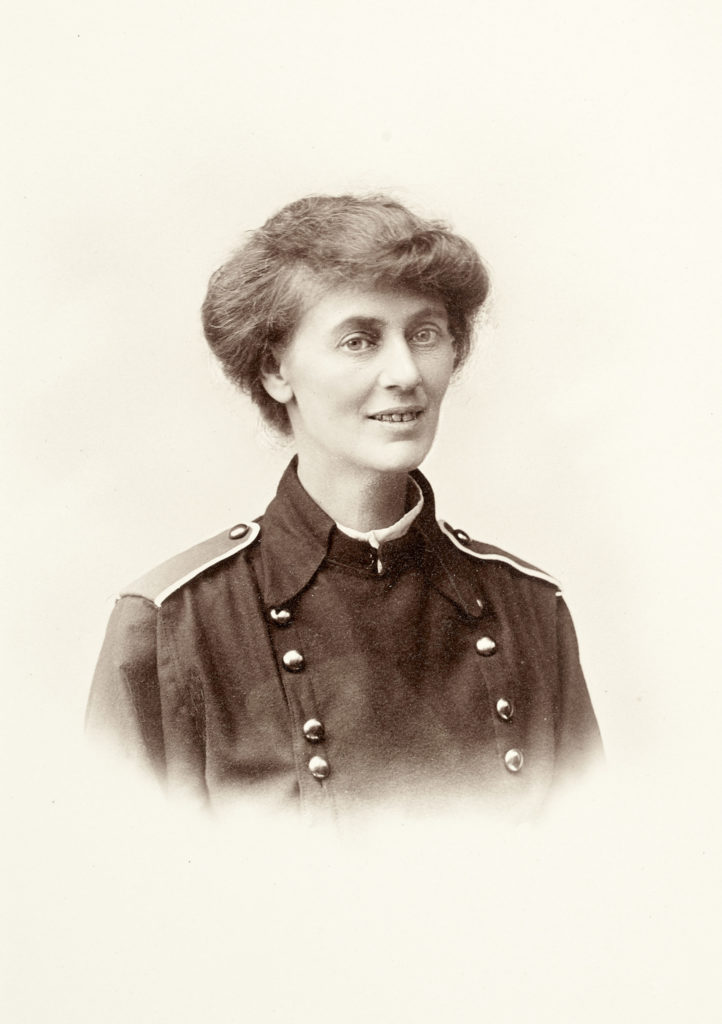 Head and shoulders, facing right portrait of Countess Marckievicz in uniform
