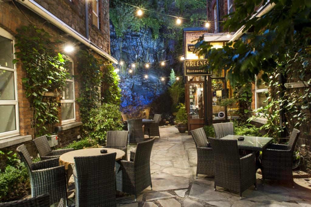 Outdoor Courtyard Greenes
