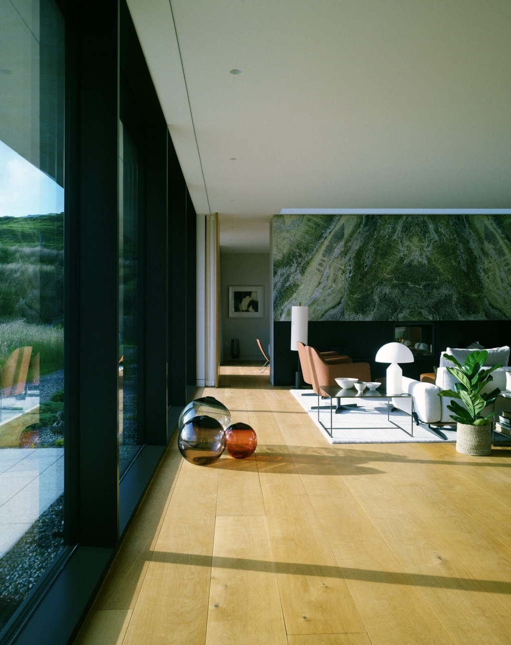 VIEW_OF_LIVING_ROOM_TOWARDS_MARBLE_FIREPLACE_WALL_AND_SITTING_ROOM_BEYOND_1020_1288 A2 Architects RIAI awards